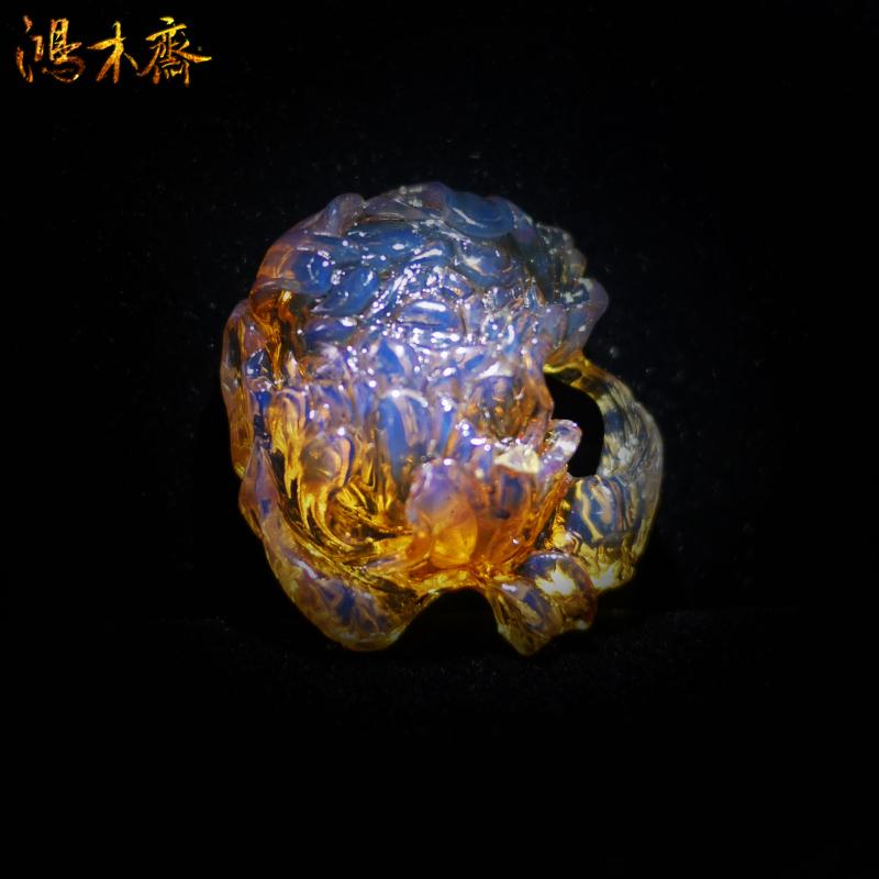 鸿木斋 多米尼加 蓝珀 天空蓝 牡丹花 镂空 雕刻件 孤品BA59   1 (3).jpg