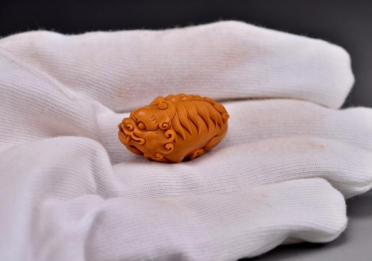 鸿款雕刻橄榄核雕貔貅单籽大核橄榄核手把件G113 (13).JPG