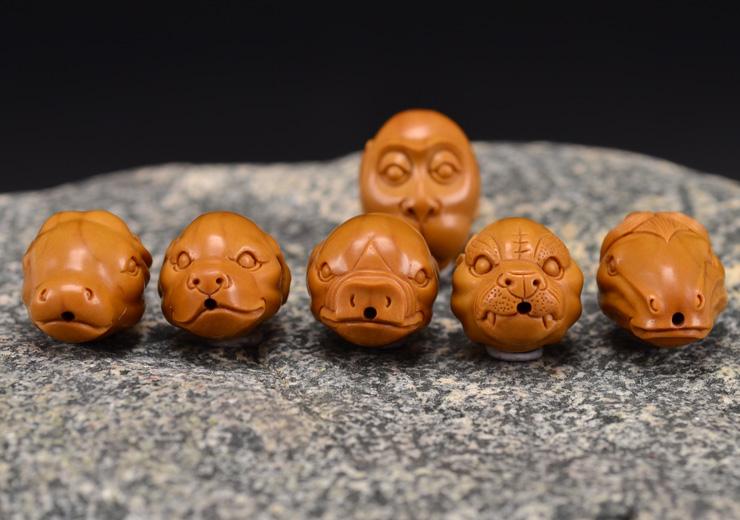 鸿木斋 橄榄核雕十二生肖 鸿款雕刻橄榄胡手串 孤品G123 (16).JPG