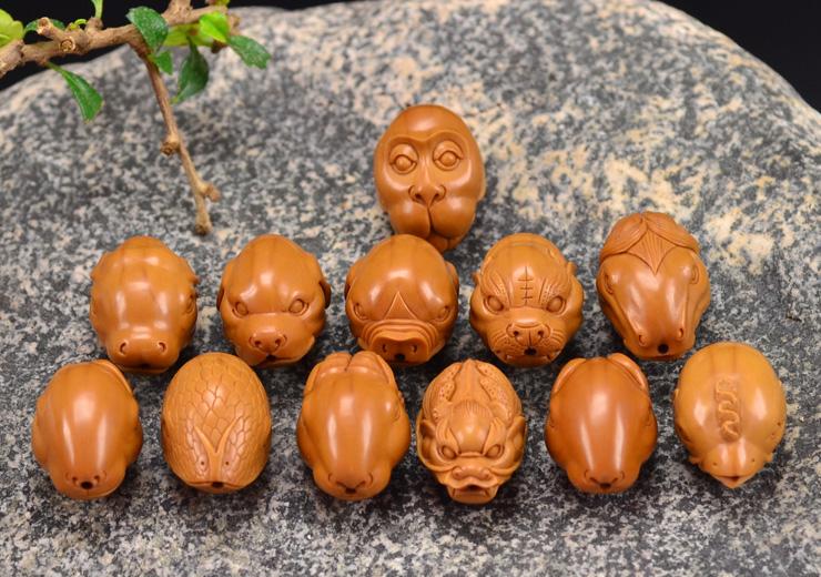 鸿木斋 橄榄核雕十二生肖 鸿款雕刻橄榄胡手串 孤品G123 (8).JPG