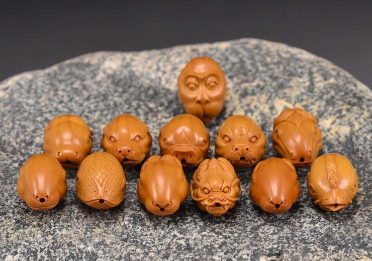 鸿木斋 橄榄核雕十二生肖 鸿款雕刻橄榄胡手串 孤品G123 (14).JPG