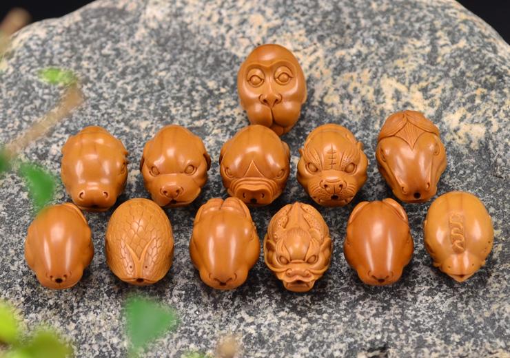 鸿木斋 橄榄核雕十二生肖 鸿款雕刻橄榄胡手串 孤品G123 (7).JPG