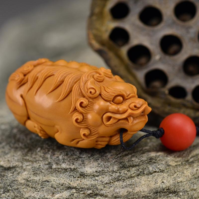 鸿木斋 橄榄核雕 鸿款雕刻单籽大核貔貅小挂件 孤品G133 (2).JPG