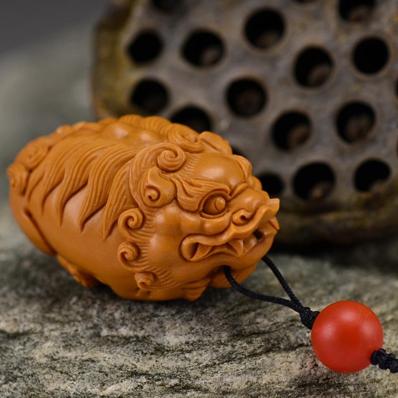 鸿木斋 橄榄核雕 鸿款雕刻单籽大核貔貅小挂件 孤品G136 (2).JPG