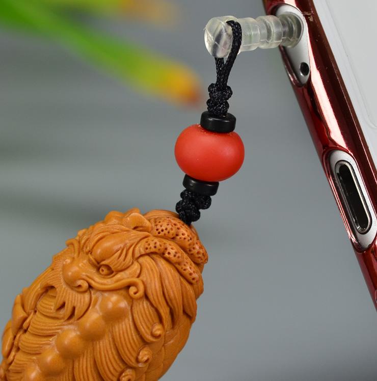 鸿木斋 橄榄核雕 橄榄核雕刻麒麟吐书 手机挂坠 孤品G157 (9).JPG
