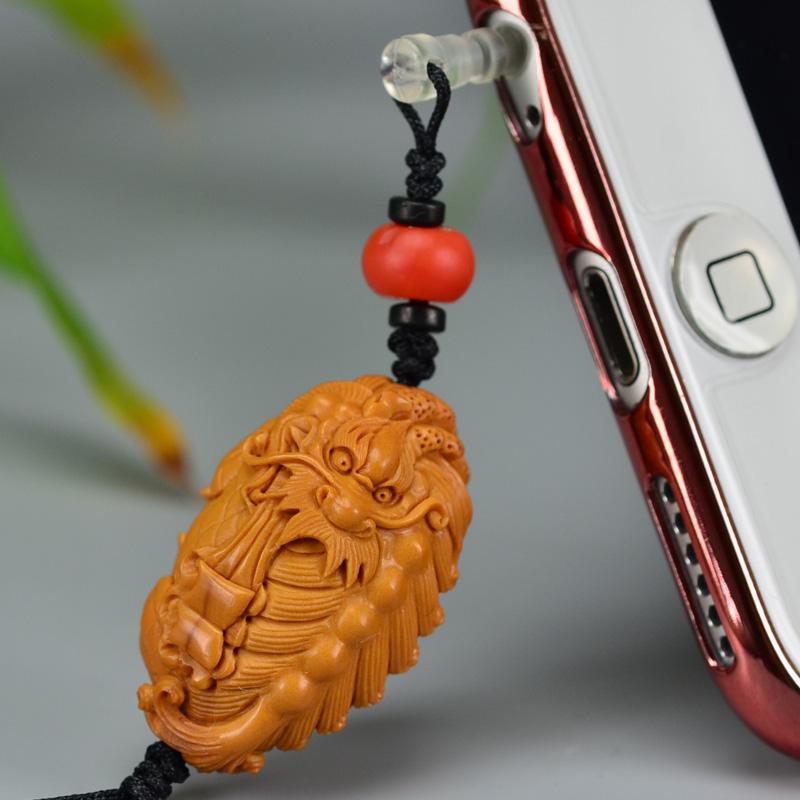 鸿木斋 橄榄核雕 橄榄核雕刻麒麟吐书 手机挂坠 孤品G157 (3).JPG