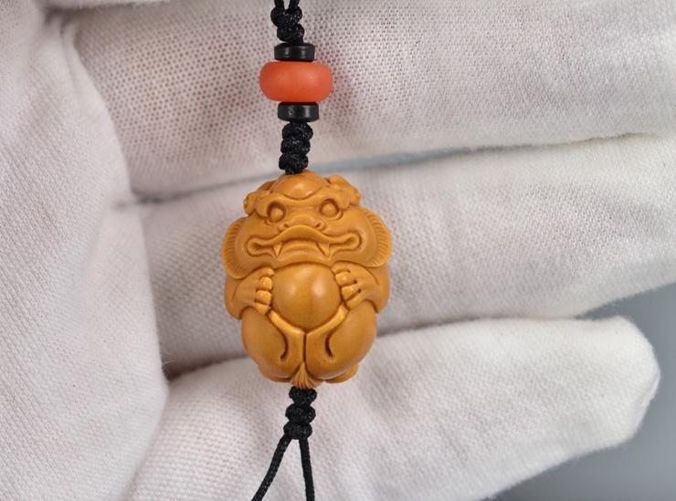 鸿木斋 橄榄核雕 橄榄核雕刻貔貅 手机挂坠 孤品G159 (8).JPG
