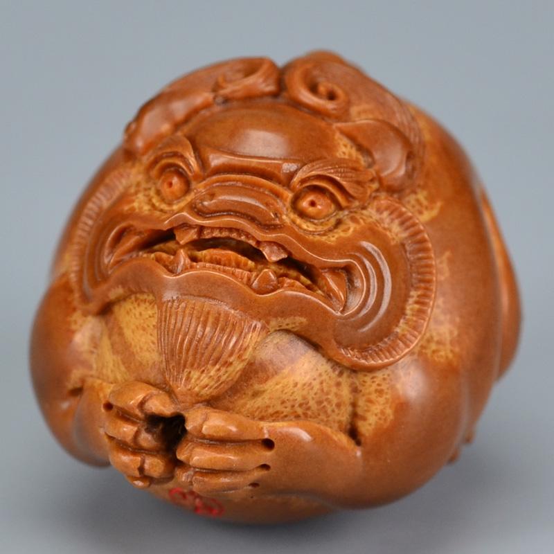 鸿木斋 橄榄核雕刻 貔貅车钥匙坠 孤品G185 (3) - 副本.JPG