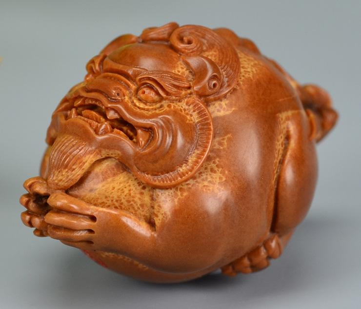 鸿木斋 橄榄核雕刻 貔貅车钥匙坠 孤品G185 (8) - 副本.JPG