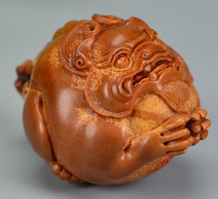 鸿木斋 橄榄核雕刻 貔貅车钥匙坠 孤品G185 (9) - 副本.JPG