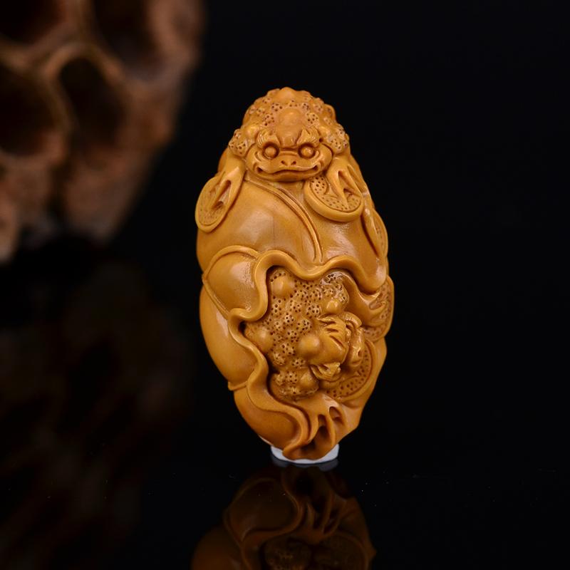 鸿木斋 鸿款雕刻橄榄核荷叶双金蟾 单籽大核G255 (5) .JPG