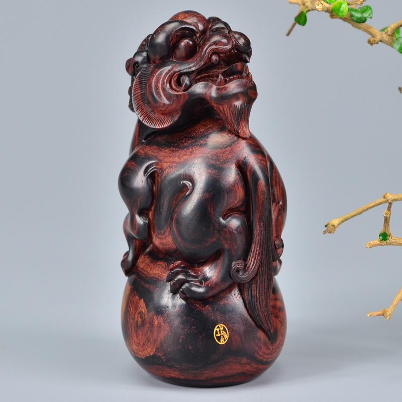 鸿木斋 黄花梨雕刻3寸回头望月貔貅H6248 (3).JPG