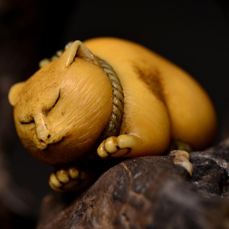 鸿木斋 根付·鹿角雕刻暖猫 懒猫 吊坠把件 配饰LJ01 (6).JPG