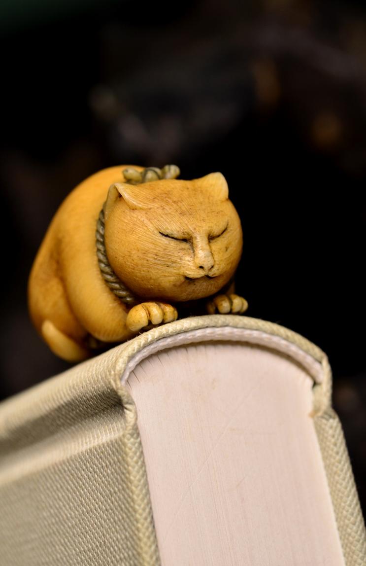鸿木斋 根付·鹿角雕刻暖猫 懒猫 吊坠把件 配饰LJ01 (5).JPG