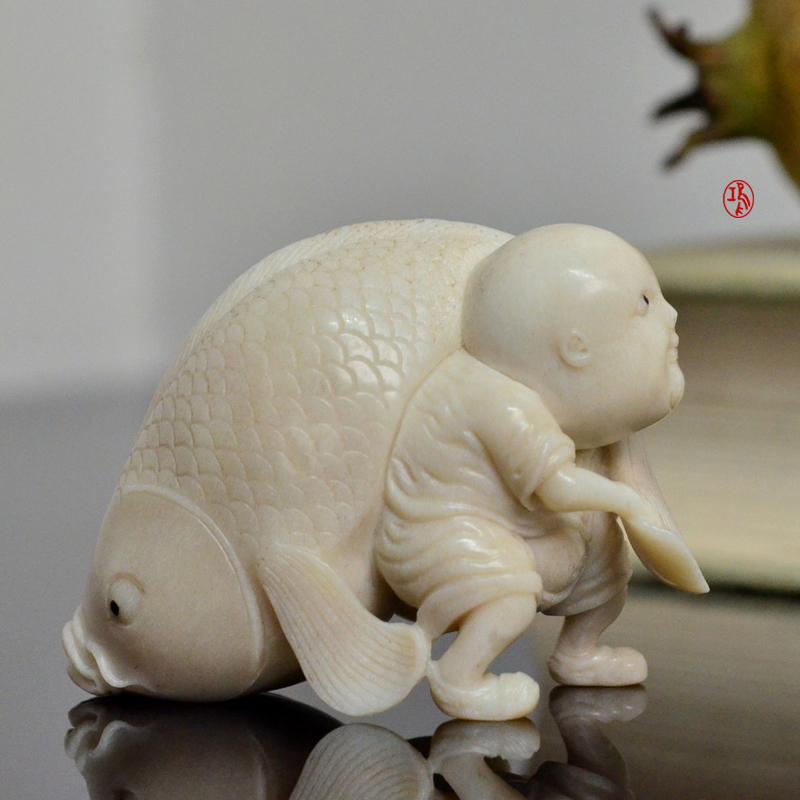 鸿款雕刻鹿角盘《年年有大鱼》艺术把件案头雅玩手作孤品LJ07 (1).JPG
