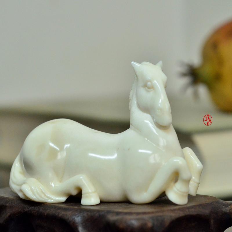 鸿款雕刻鹿角盘《白马》艺术把件案头雅玩手作孤品LJ08 (1).JPG