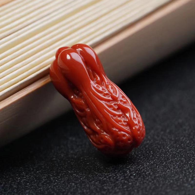 鸿木斋 南红雕刻 天然瓦西料南红百财挂坠 孤品N3772 (3).jpg