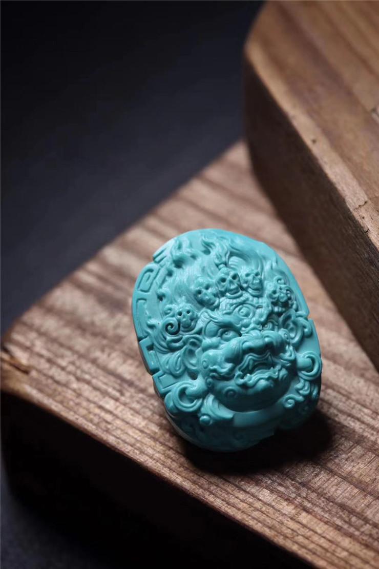 鸿木斋 松石雕刻 天然高瓷喇叭山果冻料大黑天吊坠 孤品S1220 (6).jpg